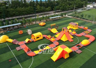 Chiny 42x25m Custom Deisgn Giant Inflatable Floating Water Park Z Silk Printing dostawca